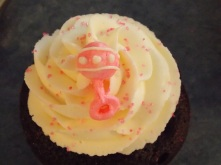 Elaines baby shower cupcakes 107